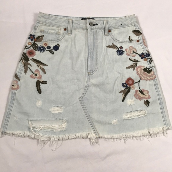 Abercrombie & Fitch Dresses & Skirts - Abercrombie- Vintage embroidered A-line skirt, 2
